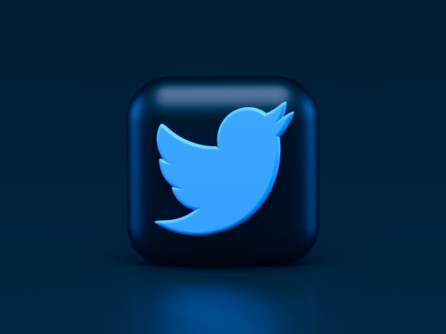 Twitter-logo-on-business-cards